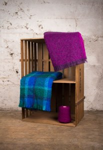 Boucle_mohair_throw_feature